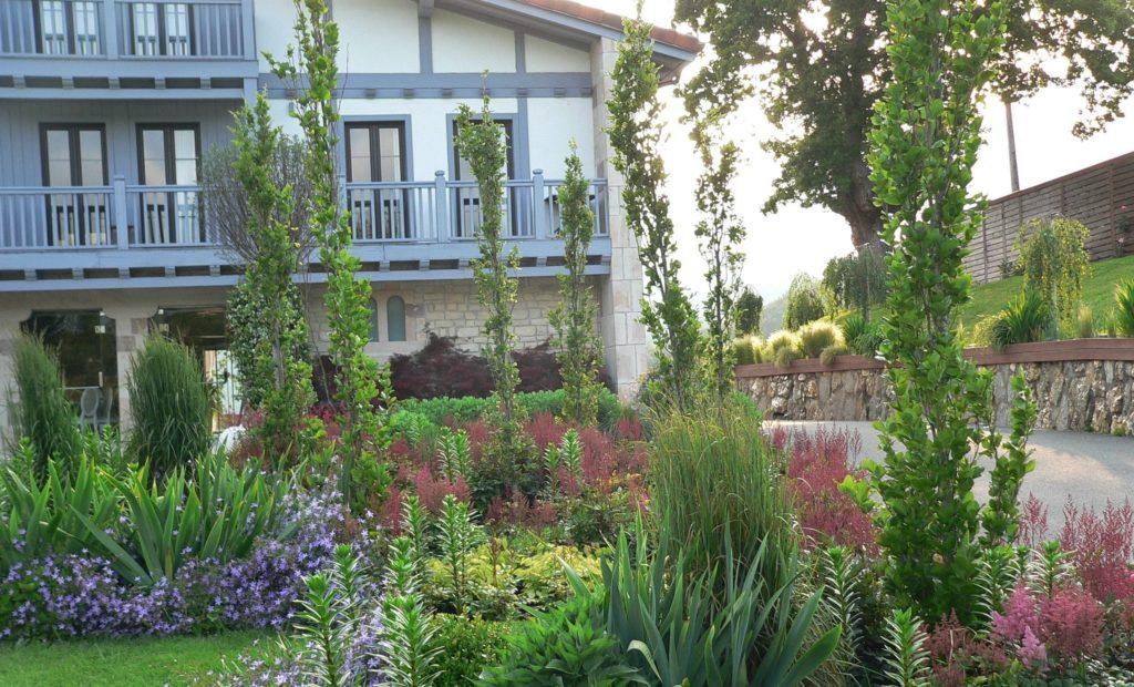 Organiza tu jardín de manera eficiente.